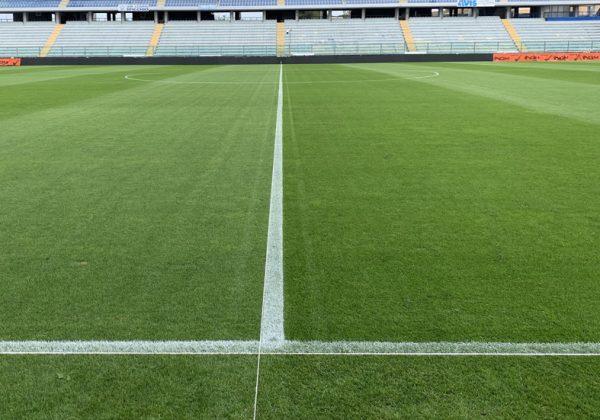 vernice traccia linee campo sportivo